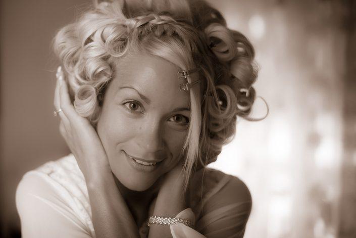 Φωτογραφηση Νύφης χαμογελαστής